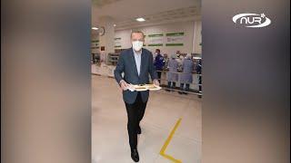 Эрдоган пришел на ифтар в заводскую столовую