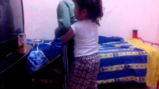 Una niña karateka