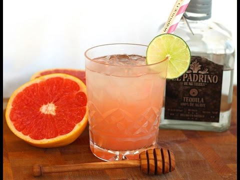 Cocktail Recipe: Ruby Red Grapefruit & Honey Paloma Cocktail by Everyday Gourmet with Blakely