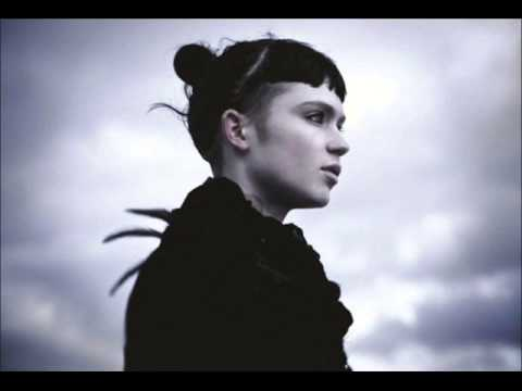 Grimes - Vanessa (Live)