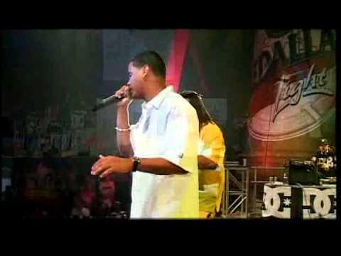 Baila Para Mi / Yo Soy Tu Hombre / En Tension Live - Zion y Lennox