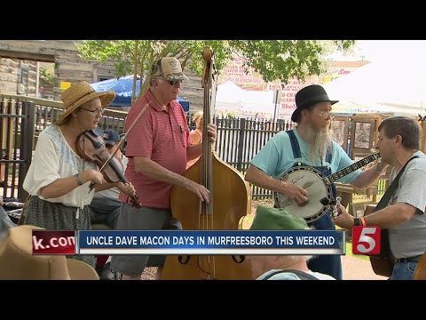 Music Lovers Enjoy Uncle Dave Macon Days