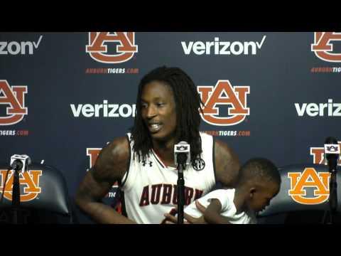 T.J. Dunans recaps his buzzer beating 3-pointer in Auburn