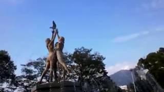 公園の噴水に裸の少女が3人!!