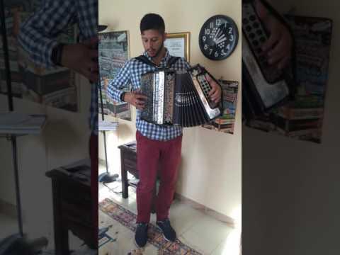 Filipe Oliveira e sua concertina