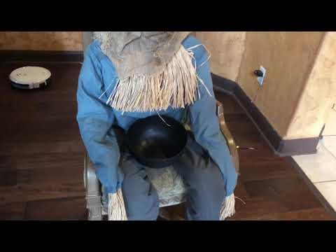 Tekky Toys Sitting Scarecrow  Demo