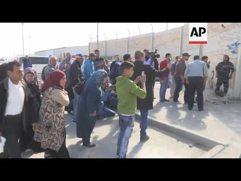 Israeli guard kills Palestinian carrying knife