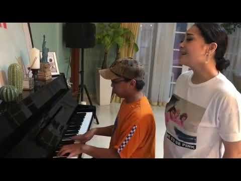 Nagita Slavina - Menerka - Nerka (suaranya Bagus Banget )