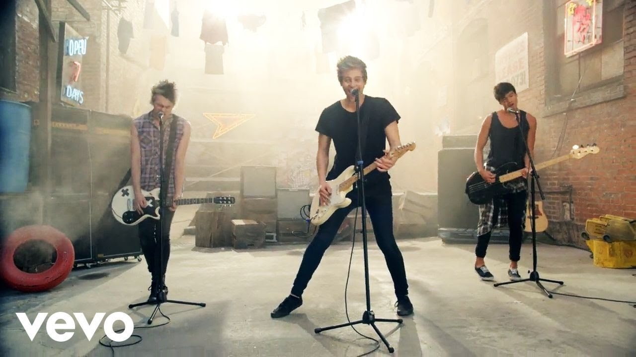 5 Seconds of Summer - She Looks So Perfect - ViYoutube