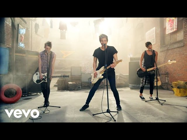 5 Seconds of Summer - She Looks So Perfect