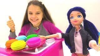 Маринетт и Хлоя  делают подарок Эдриану - Игры для девочек