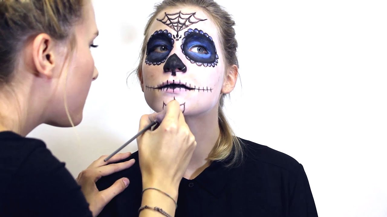 sugar skull halloween totenkopf schmink anleitung diy tutorial youtube. Black Bedroom Furniture Sets. Home Design Ideas