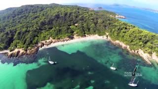 Vue du ciel des iles de Porquerolles par drone et caméra embarquée Gopro