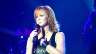 Reba McEntire (live) - Because of You