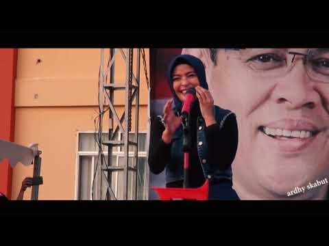 Tantri Kotak Nyanyi Lagu Pelan Pelan Saja Pake Bahasa Buton Di Kota Bau Bau