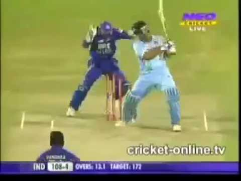 Yusuf Pathan and Irfan Pathan (brother's) batting