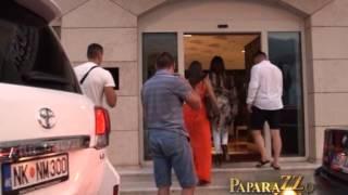 Repeat youtube video Seksi Ceca Raznatovic na plazi - Paparazzo lov - (Tv Pink)