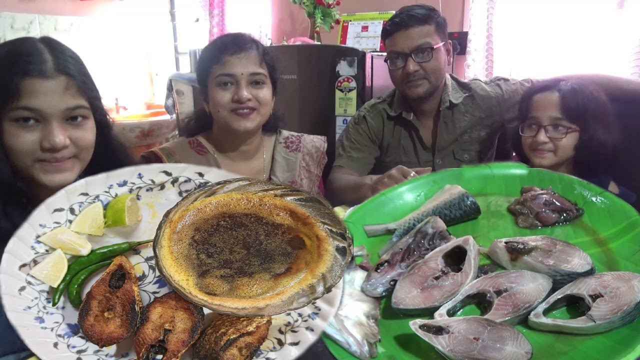 My Favorite ILISH SPECIAL Lunch - Enjoying Rainy Day with Family - Kolkata Food Lovers