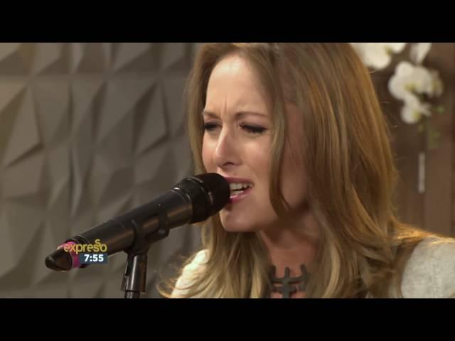 """Liza Bronner performs """"Liefde is"""" LIVE!"""