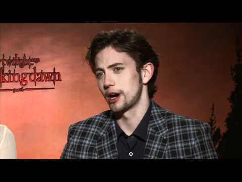 Ashley Greene & Jackson Rathbone Interview: Breaking Dawn Part 1