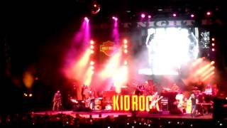 "Kid Rock ~ ""Never Met A MF Quite Like Me"" Live"