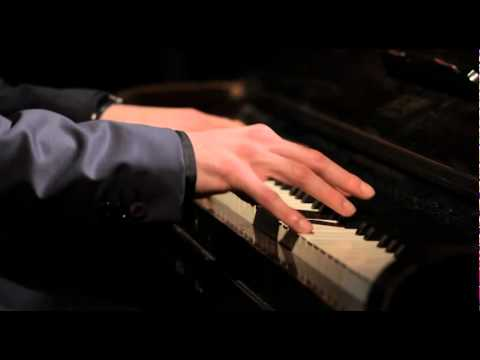 Pianist Lee Mathews performing Where Do I Begin- Available from alivenetwork.com