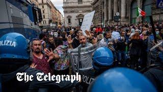 video: Italian far-Right mob raids union in battle over strict Covid passes
