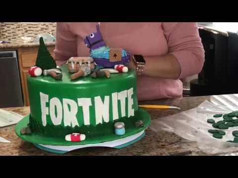 How to make a fortnite fondant cake