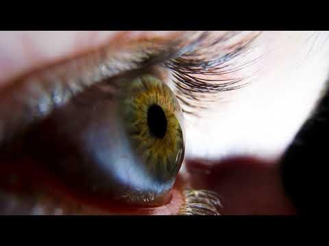 Что делать если в глаз что то попало и глаз болит