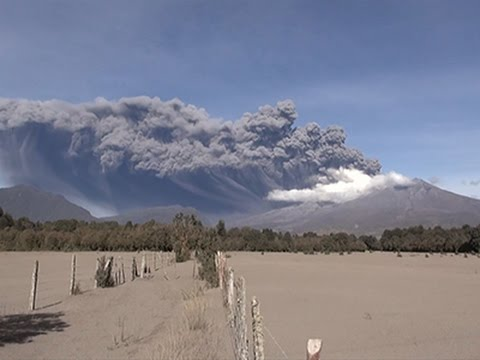 Raw: Eruption at Chile's Calbuco Volcano