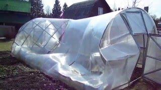 Какая-то сломанная теплица(Пример того, что может случиться с теплицами за зиму. Необходимо понимать, что такое может случиться с тепли..., 2016-01-19T20:43:04.000Z)