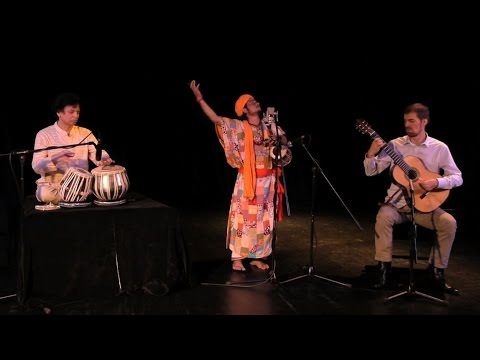 Simon Thacker's Svara-Kanti with Raju das Baul:...