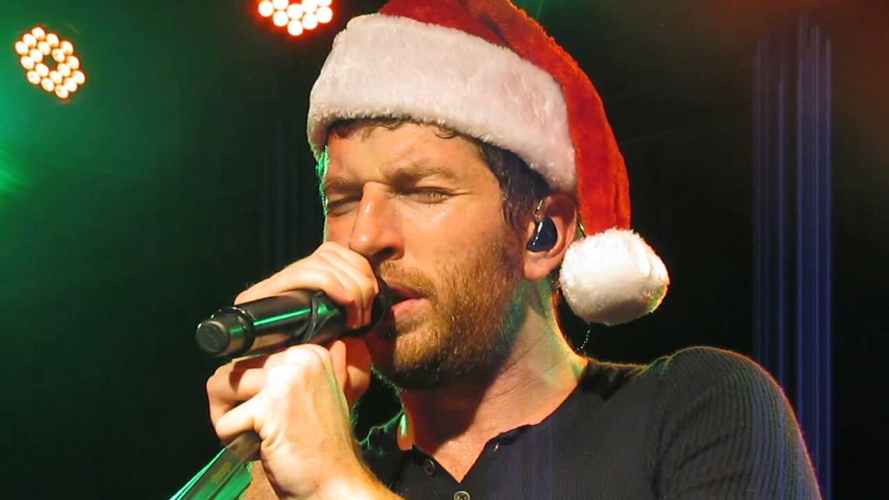 brett eldredge have yourself a merry little christmas