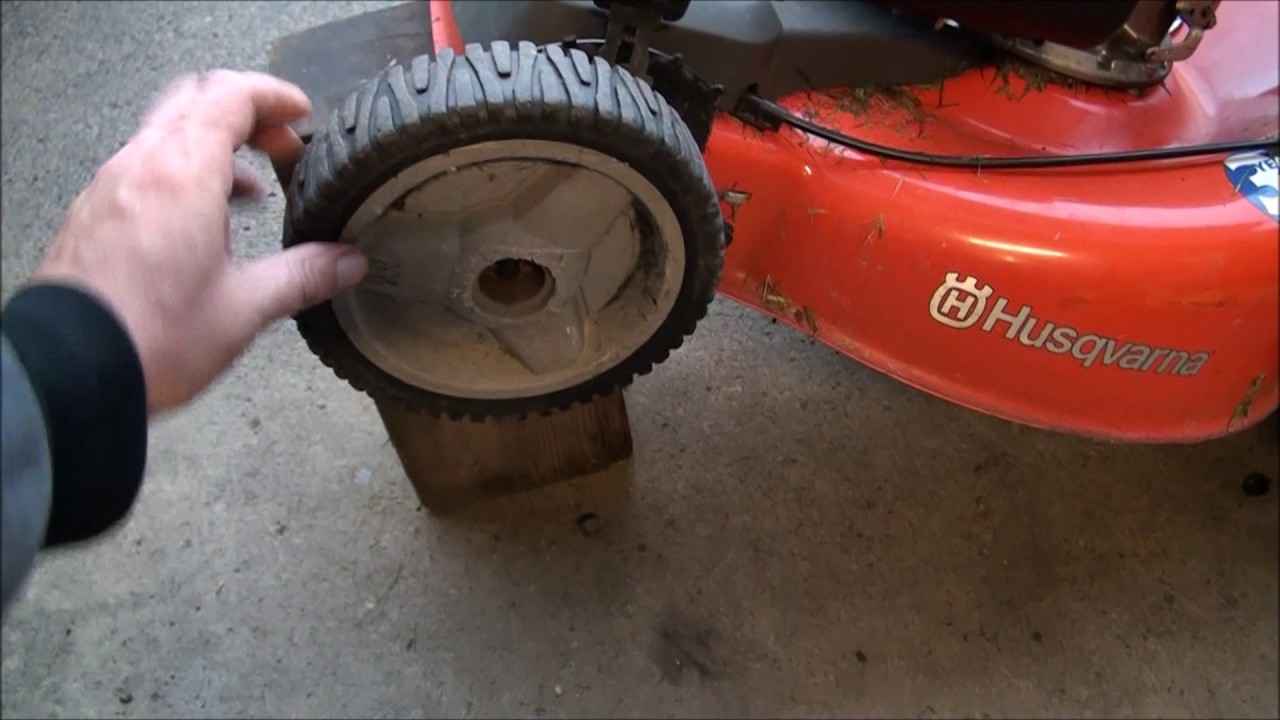 LAWNMOWER WHEEL Stopped Turning  FIXED! Self Propelled FRONT DRIVE WHEELS  won't work