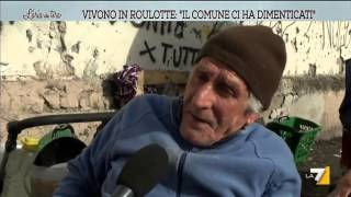 Vivono in roulotte: 'Il comune ci ha dimenticati'