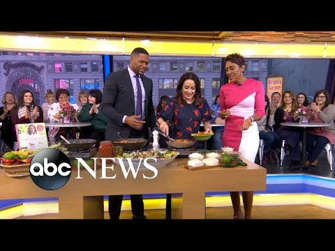 'The Middle' star Patricia Heaton shares her recipe for chicken chilaquiles