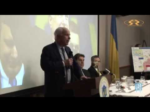 Senator John McCain meets the Ukrainian community in Chicago