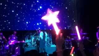 Video Avril Lavigne - I'm With You - Live in Taipei 2014 download MP3, 3GP, MP4, WEBM, AVI, FLV Agustus 2018