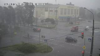 Сильная буря в Северодонецке 29 июня 2017. Пл. Победы.