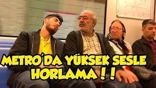 METRO'DA YÜKSEK SESLE HORLAMA DENEYİ !! (ÇILDIRTTIK)