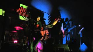 BIG GUN! AC/DC Cover by Undercover project live at Motor Cafe Guatemala 2013