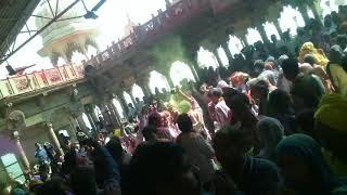 राधा रानी मंदिर बरसाना में होली का आरंभ || holi samaj gayan || होली समाज गायन || Barsana ki holi