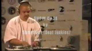 DJ Shortkut Skratching