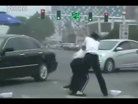 Female traffic cops in China fight on the job