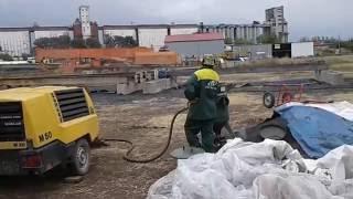 Обработка металла  пескоструйным аппаратом(, 2016-09-06T23:04:52.000Z)
