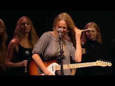 Lissie - Everywhere I Go (live w/Oslo girl choir, oct 22. 2014)