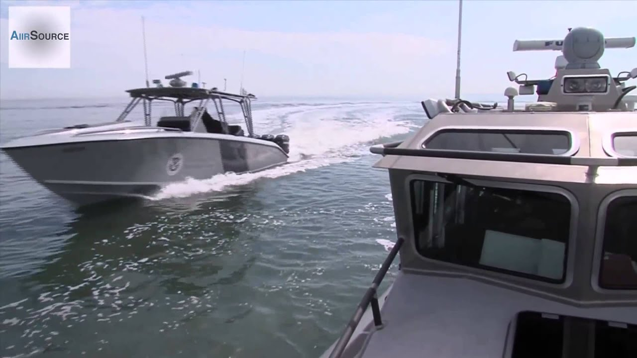worlds fastest law enforcement boat midnight express cigarette boat [ 1280 x 720 Pixel ]