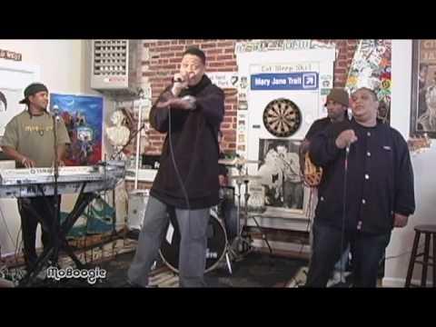"""CHALI 2NA """"R.I.P. Guru"""" - live freestyle @ the MoBoogie Loft"""
