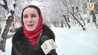 видео недорогая уборка снега с кровли