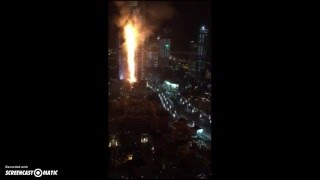 Fire Breaks Out in Dubai Skyscraper Near Burj Khalifa/31.12.2015